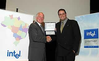 SINCO recebe premiação de Craig Barret, CEO Mundial da Intel
