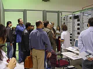 Equipe de Colunistas do FORUM PCs - Apreciando os servidores da HOSTNET