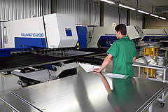 NILKO - Gabinetes Industriais Rack Mount