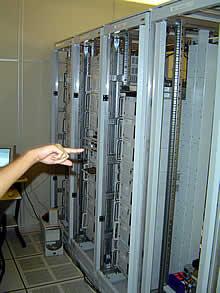 2 Racks completos de 46U da Hostnet, alojados em VAULT da Optiglobe